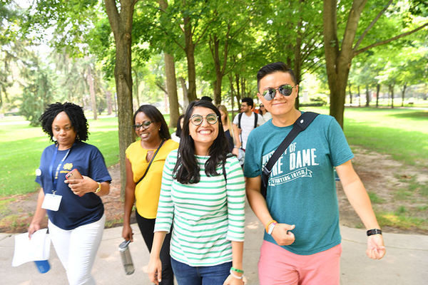 Incoming students participate in a campus scavenger hunt